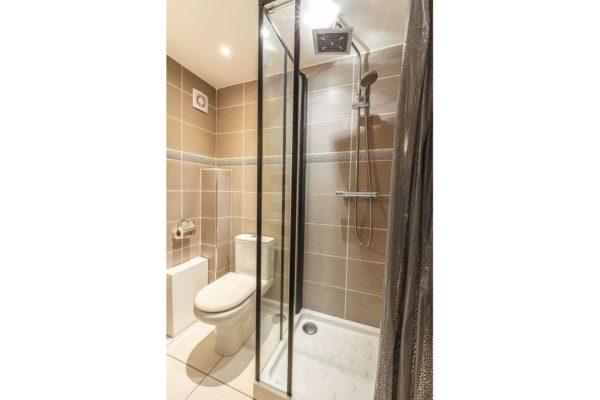 Salle de bain Studio Moorea Tilou location Hyeres-giens0197