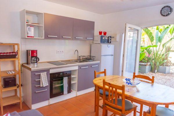 Ferienwohnung french riviera giens hyeres Papa-Iti kitchen