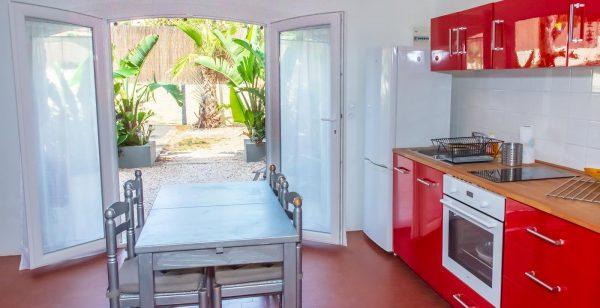 Ferienwohnung french riviera giens hyeres Raietea kitchen
