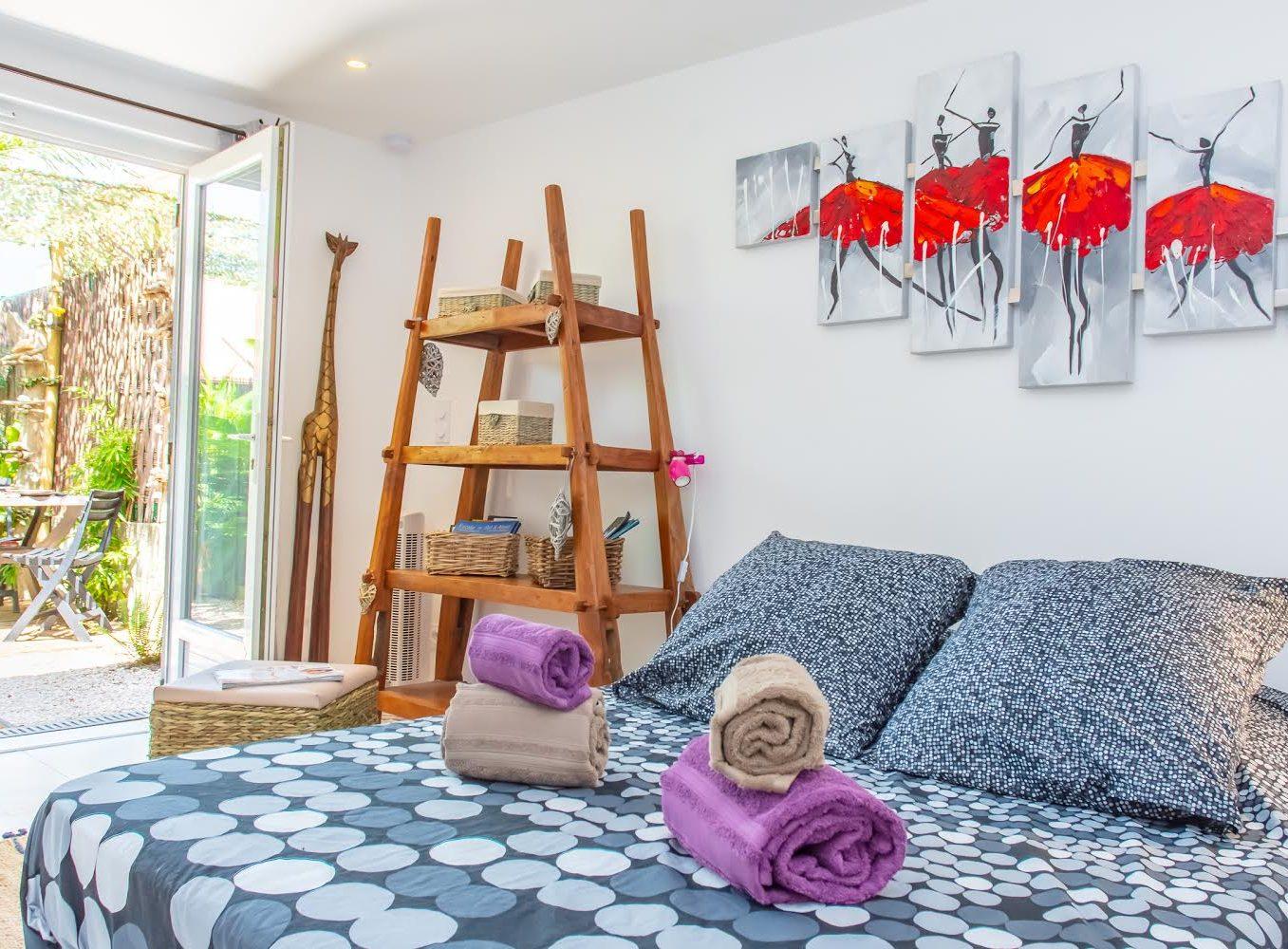 Location appartement giens hyères chambre d'hote mahinui piece