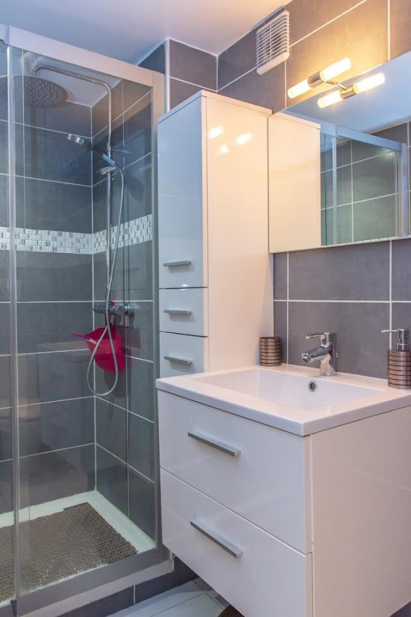 Location appartement giens hyères chambre d'hote mahinui sdb